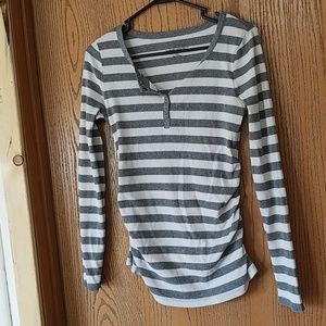 Maternity shirt size Medium
